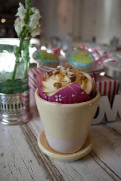 cupcake–mug_19-132031